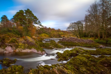 This fantastic spot, located just outside Kenmare on the Caha Pass Road, captured in early Autumn giving a classic mix of greens, orange and yellow foliage.